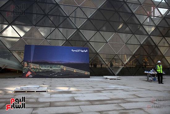 جولة لجنة الثقافة والإعلام والآثار بالبرلمان للمتحف المصري الكبير (18)