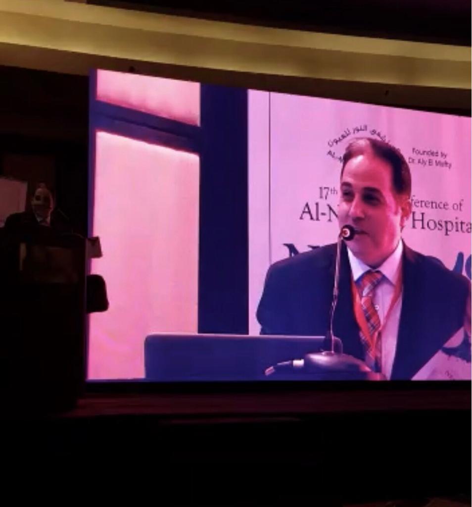 الدكتور أشرف الهباق مدير مستشفى النور للعيون