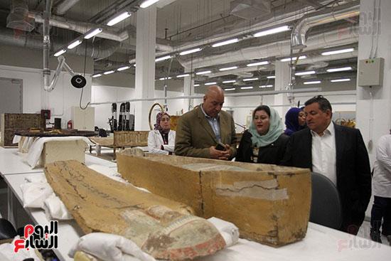 جولة لجنة الثقافة والإعلام والآثار بالبرلمان للمتحف المصري الكبير (38)