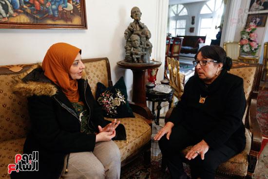حوار  سميرة عبدالعزيز  (5)
