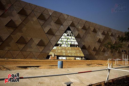 جولة لجنة الثقافة والإعلام والآثار بالبرلمان للمتحف المصري الكبير (7)