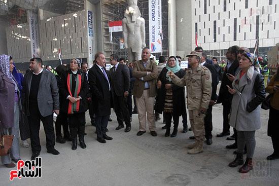 جولة لجنة الثقافة والإعلام والآثار بالبرلمان للمتحف المصري الكبير (25)
