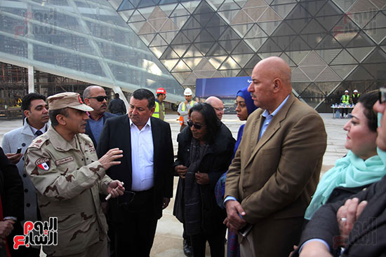 جولة لجنة الثقافة والإعلام والآثار بالبرلمان للمتحف المصري الكبير (12)