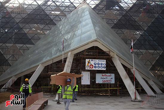 جولة لجنة الثقافة والإعلام والآثار بالبرلمان للمتحف المصري الكبير (11)
