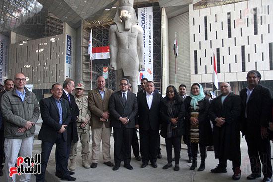 جولة لجنة الثقافة والإعلام والآثار بالبرلمان للمتحف المصري الكبير (27)