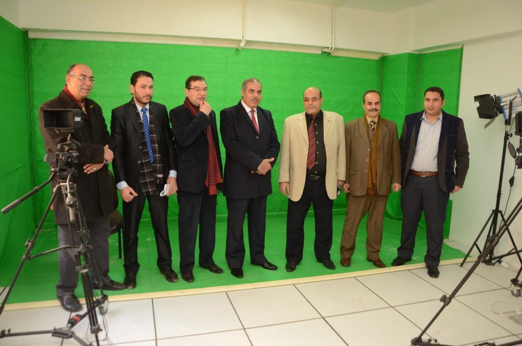 د. محمد المحرصاوى رئيس جامعة الأزهر أثناء جولته الميدانية  (4)