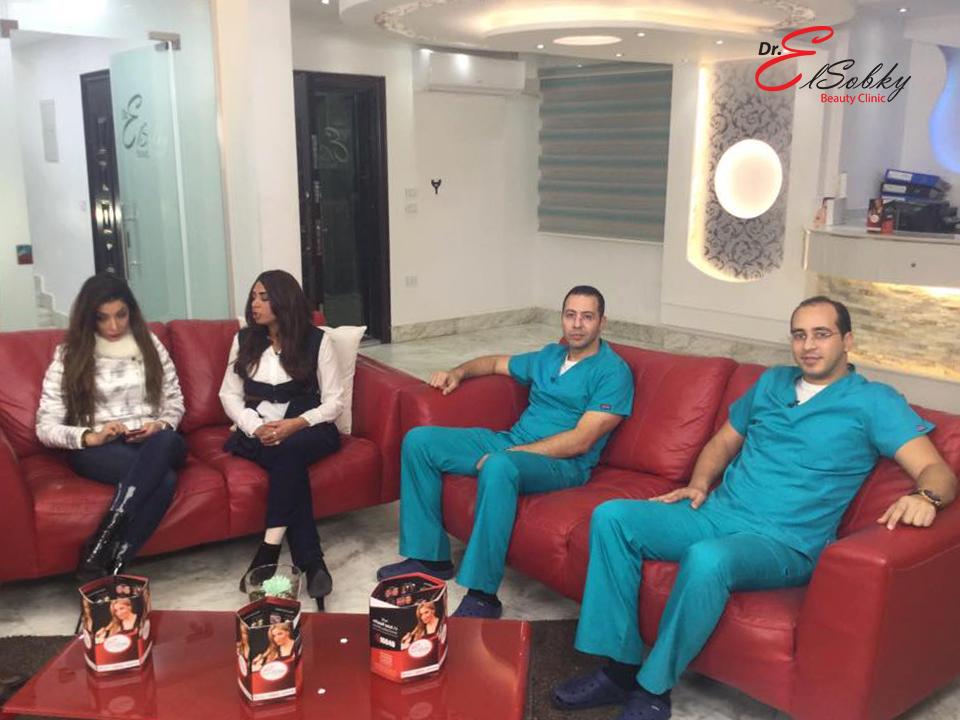 الفنانة سلوى خطاب داخل مركز الدكتور أحمد السبكى