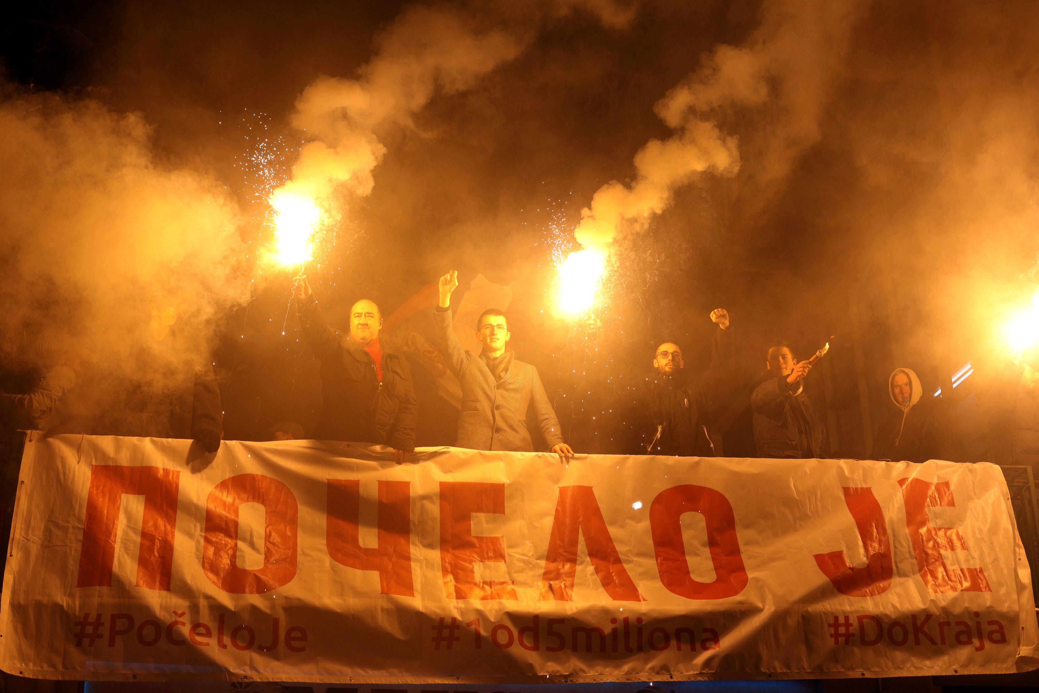 الاحتجاجات الحاشدة ضد الرئيس الصربى فى شوارع بلجراد (2)