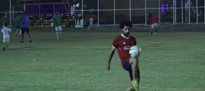 شبيه محمد صلاح فى الملعب
