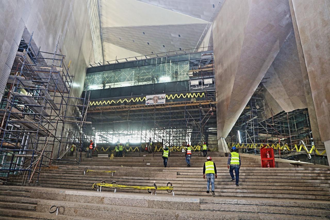 وزير الآثار يصطحب أعضاء لجنة الثقافة والإعلام والآثار بمجلس النواب فى المتحف الكبير (8)