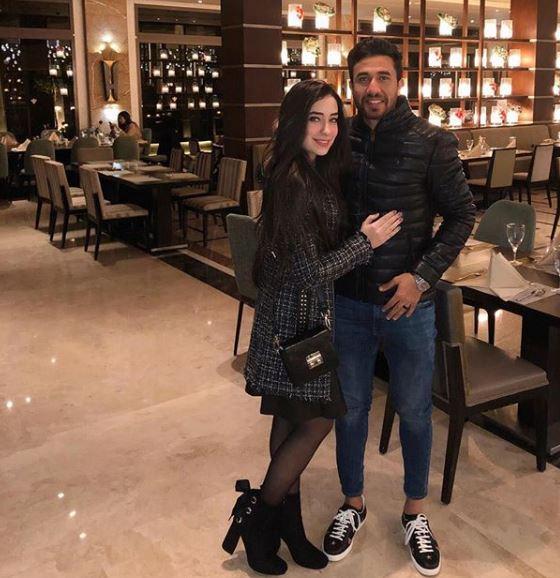 محمود تريزيجيه  بصحبة زوجته