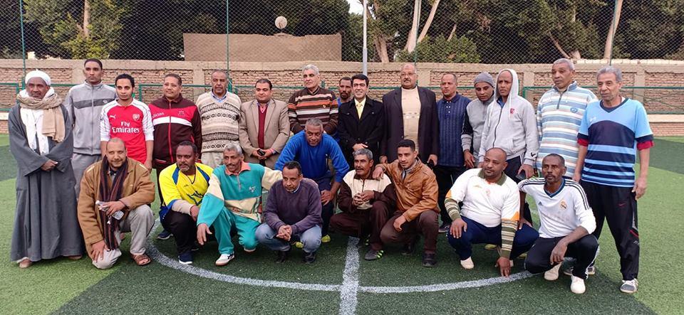 دورة رياضية للشباب والكبار بإدارات مدينة البياضية والتربية والتعليم تحصد كأس البطولة (2)