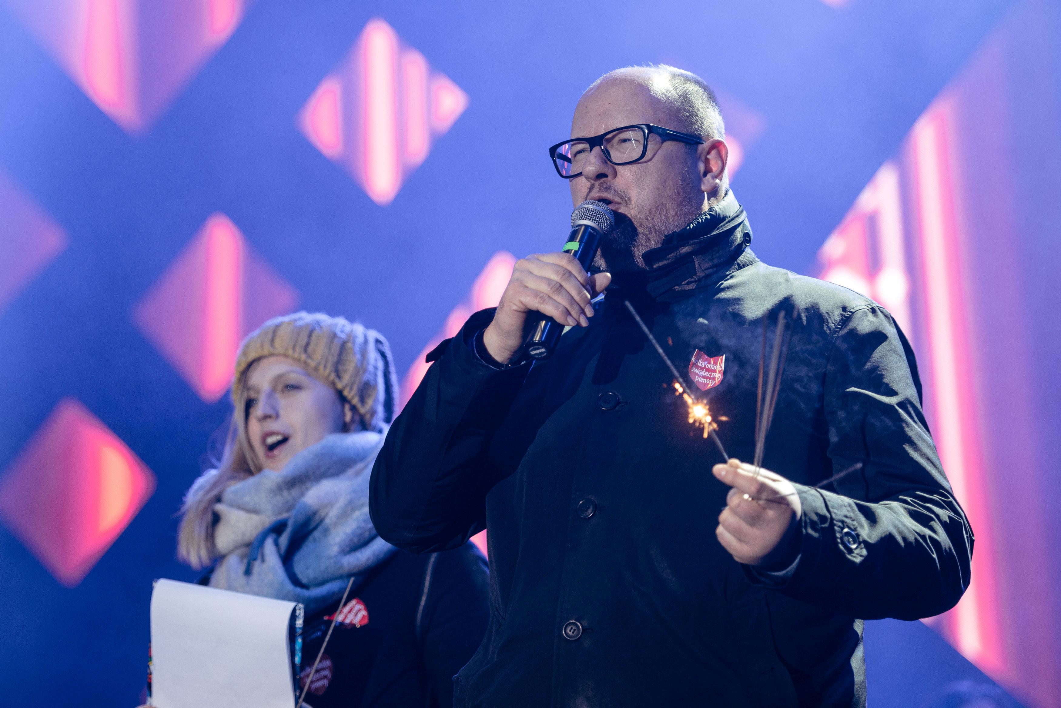باول اداموفيتش رئيس مدينة جدانسك قبل الحادث (2)