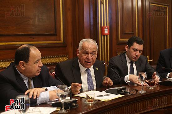 لجنة الصناعة (7)