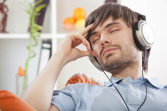 الاستماع للموسيقى2