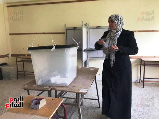 إقبال أهالى العريش على المشاركة فى انتخابات (6)