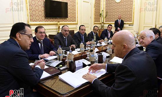 اجتماع رئيس الوزراء برئيس شركة  إيني  (4)