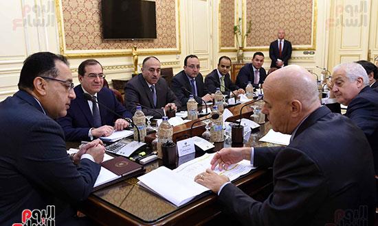 اجتماع رئيس الوزراء برئيس شركة  إيني  (3)