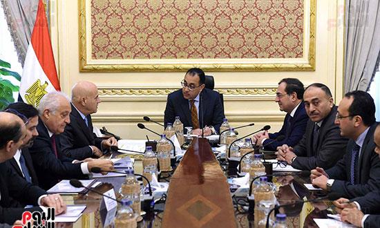 اجتماع رئيس الوزراء برئيس شركة  إيني  (1)