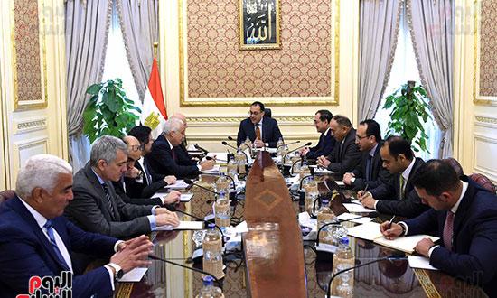 اجتماع رئيس الوزراء برئيس شركة  إيني  (5)