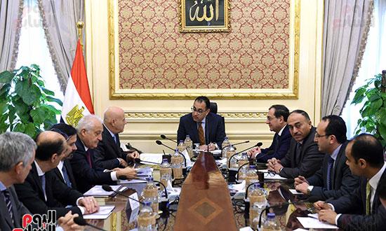 اجتماع رئيس الوزراء برئيس شركة  إيني  (2)
