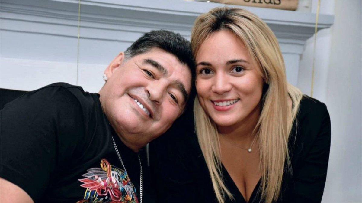 مارادونا وأوليفا