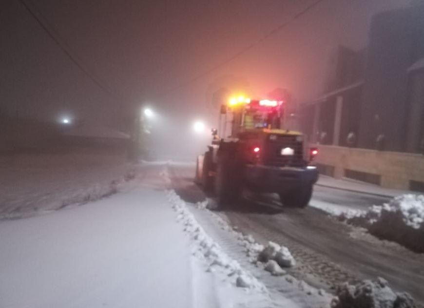 إزالة الثلوج من الطرق فى عمان
