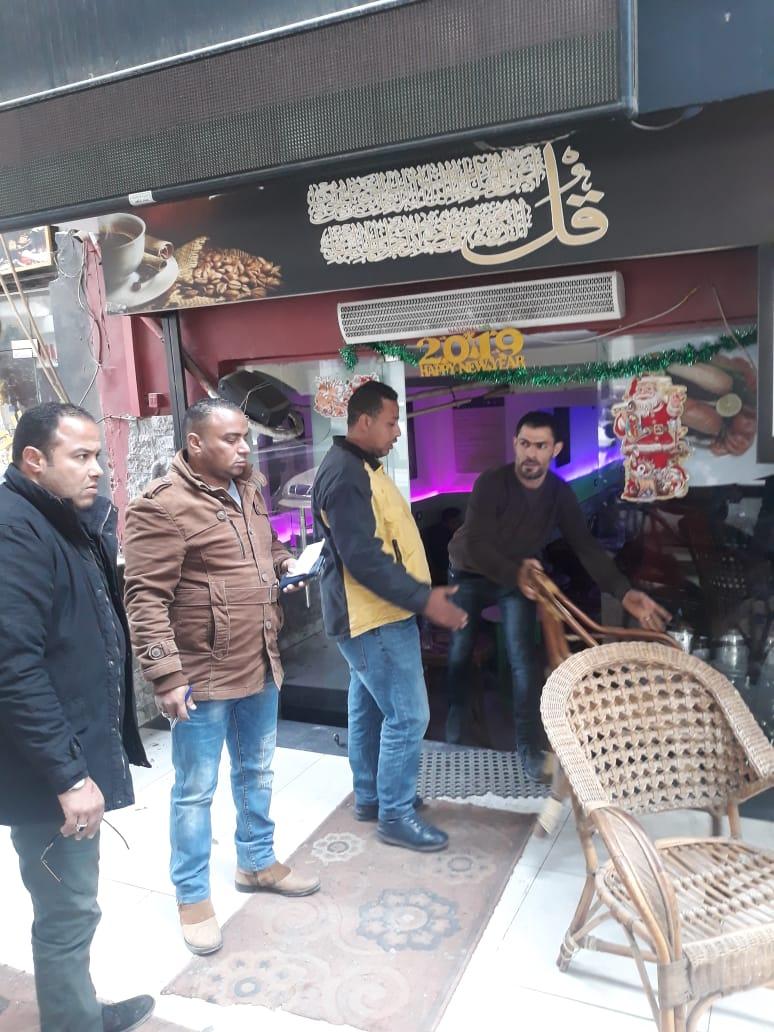 حى العجوزة يرفع إشغالات المقاهى بمنطقة المهندسين (5)