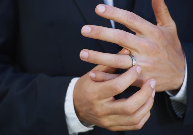 لماذا يوضع خاتم الزواج في اليد اليسرى وإصبع البنصر Youtube