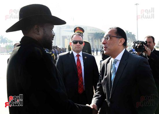 رئيس الوزراء يودّع سلفاكير بالمطار بعد انتهاء زيارته للقاهرة (9)
