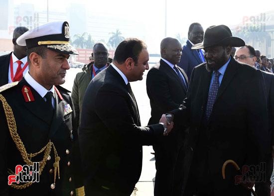 رئيس الوزراء يودّع سلفاكير بالمطار بعد انتهاء زيارته للقاهرة (7)
