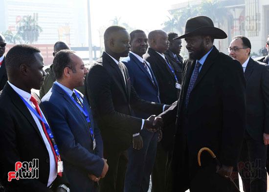 رئيس الوزراء يودّع سلفاكير بالمطار بعد انتهاء زيارته للقاهرة (5)