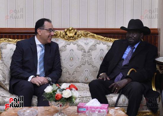 رئيس الوزراء يودّع سلفاكير بالمطار بعد انتهاء زيارته للقاهرة (3)