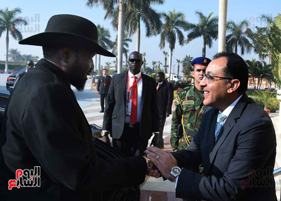 رئيس الوزراء يودّع سلفاكير بالمطار بعد انتهاء زيارته للقاهرة (1)