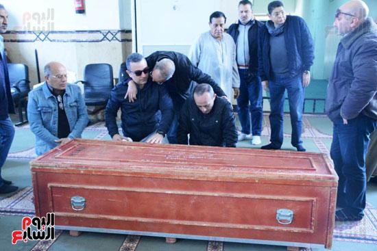 تشيع جثمان الفنان سعيد عبد الغنى (17)