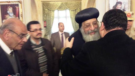 البابا تواضروس يستقبل التهنئة بعيد الغطاس فى الإسكندرية  (12)