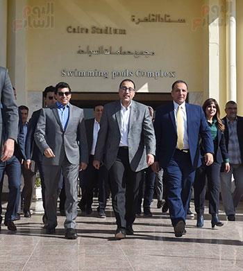 رئيس الوزراء يتفقد المنشآت الرياضية باستاد القاهرة (6)