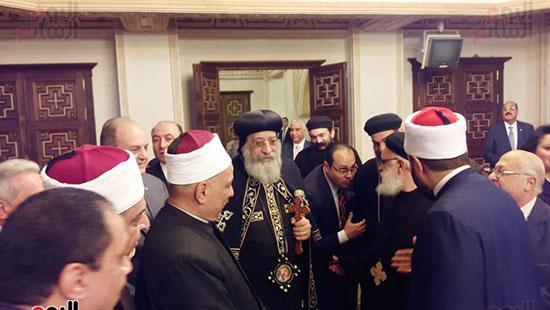 البابا تواضروس يستقبل التهنئة بعيد الغطاس فى الإسكندرية  (2)
