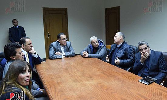 رئيس الوزراء يتفقد المنشآت الرياضية باستاد القاهرة (4)