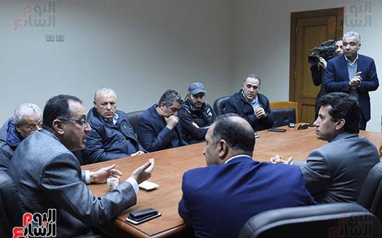 رئيس الوزراء يتفقد المنشآت الرياضية باستاد القاهرة (5)