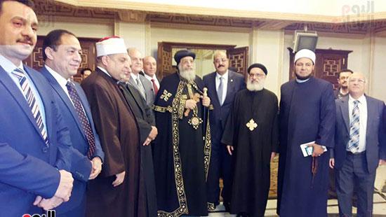 البابا تواضروس يستقبل التهنئة بعيد الغطاس فى الإسكندرية  (9)