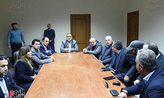 رئيس الوزراء يتفقد المنشآت الرياضية باستاد القاهرة (3)