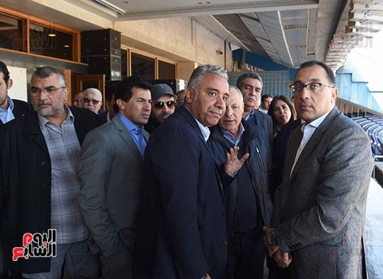 رئيس الوزراء يتفقد المنشآت الرياضية باستاد القاهرة (12)