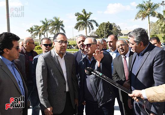 رئيس الوزراء يتفقد المنشآت الرياضية باستاد القاهرة (9)