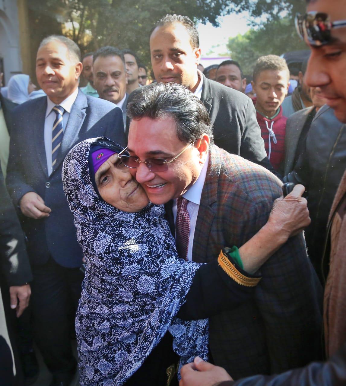 الدكتور عبد الرحيم على عضو مجلس النواب (3)