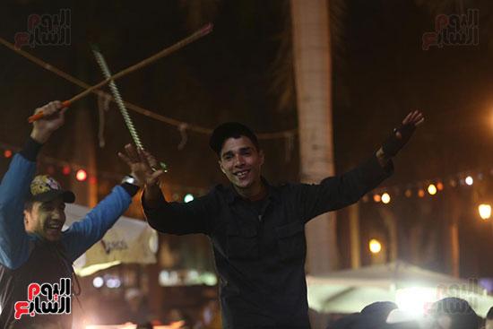 الآلاف يحيون ذكرى استقرار رأس الحسين (13)
