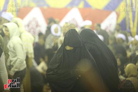 الآلاف يحيون ذكرى استقرار رأس الحسين (3)