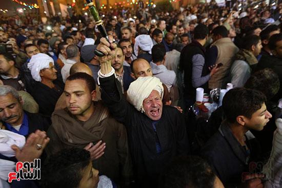 الآلاف يحيون ذكرى استقرار رأس الحسين (9)