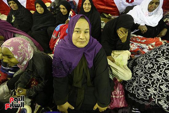 الآلاف يحيون ذكرى استقرار رأس الحسين (4)