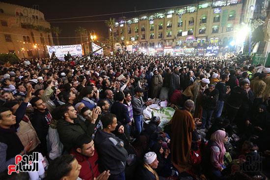 الآلاف يحيون ذكرى استقرار رأس الحسين (6)